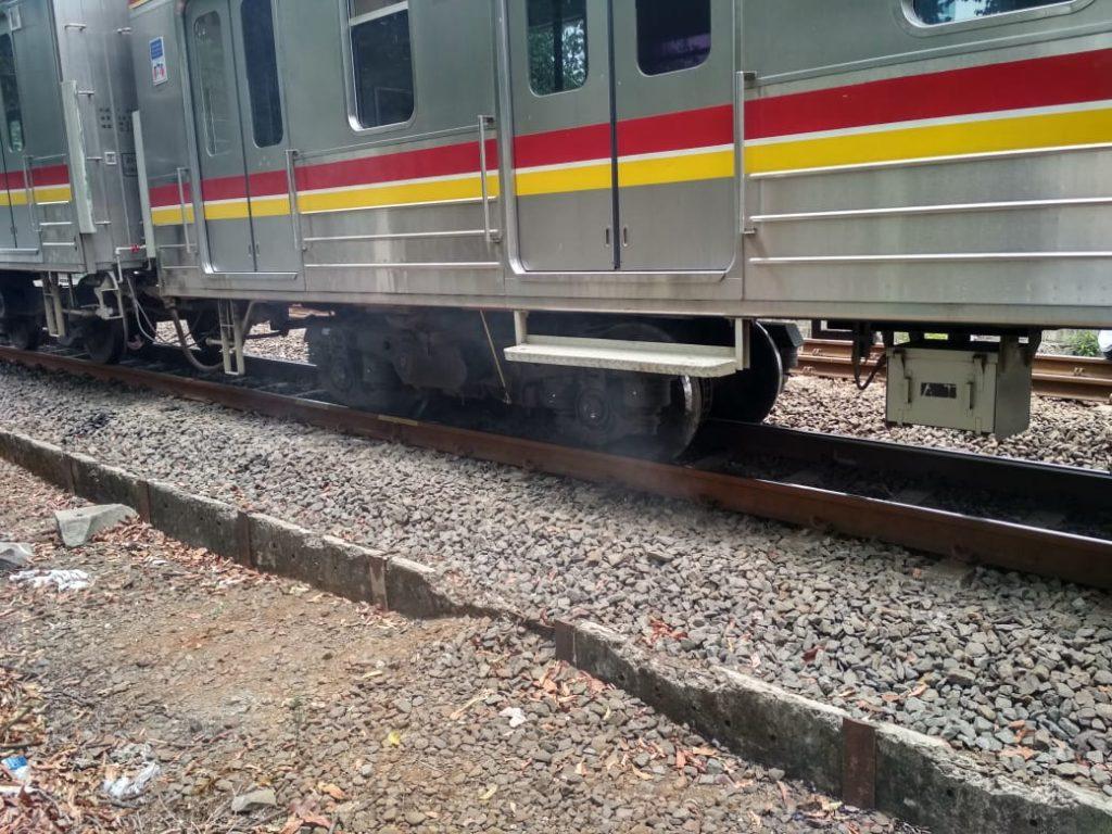 commuter line anjlok