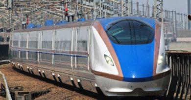 Rangkaian Shinkansen E7 yang beroperasi di Jalur Joetsu Shinkansen | Tokyo Sakura / Wikimedia