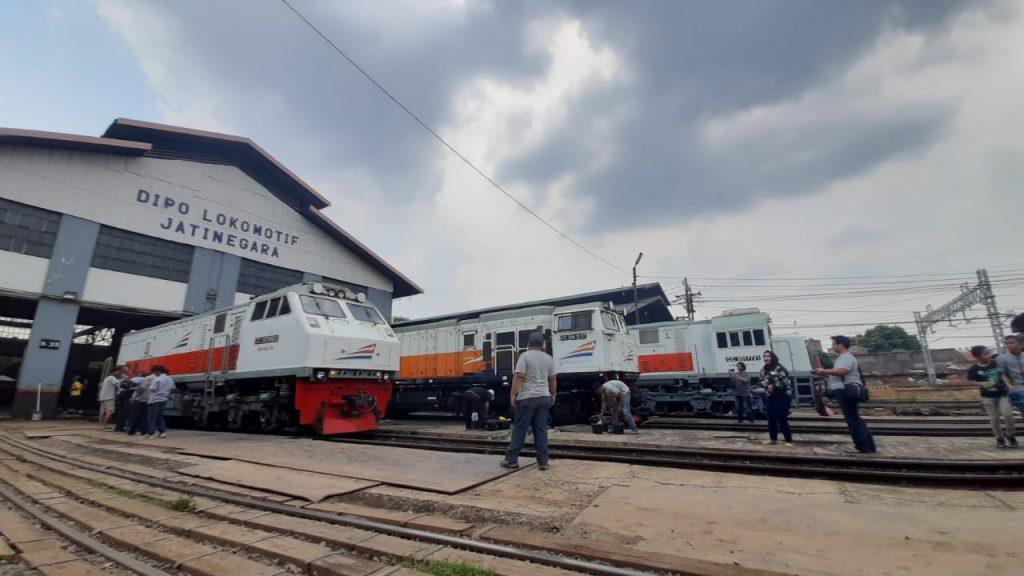 cuci lokomotif
