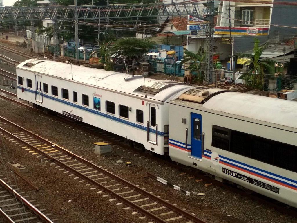 Kereta wisata Nusantara, salah satu layanan kereta wisata tematik yang dioperasikan KA Pariwisata