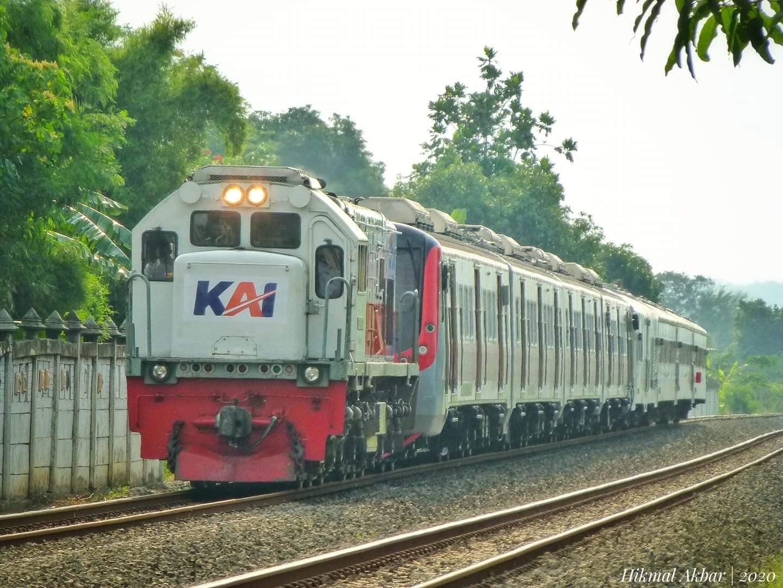 KLB kirim rangkaian KRL KfW Jakarta-Klaten | Foto: M Hikmal Akbar