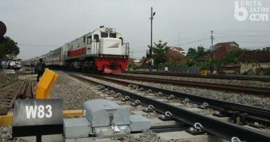 Ilustrasi KA yang melintas saat jalur ganda Jombang-Mojokerto aktif