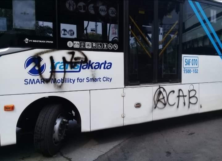 Bus TransJakarta yang jadi korban vandalisme