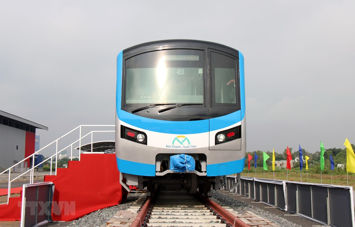 Rangkaian pertama Ho Chi Minh Metro yang diperlihatkan pada Selasa lalu   Vietnamplus