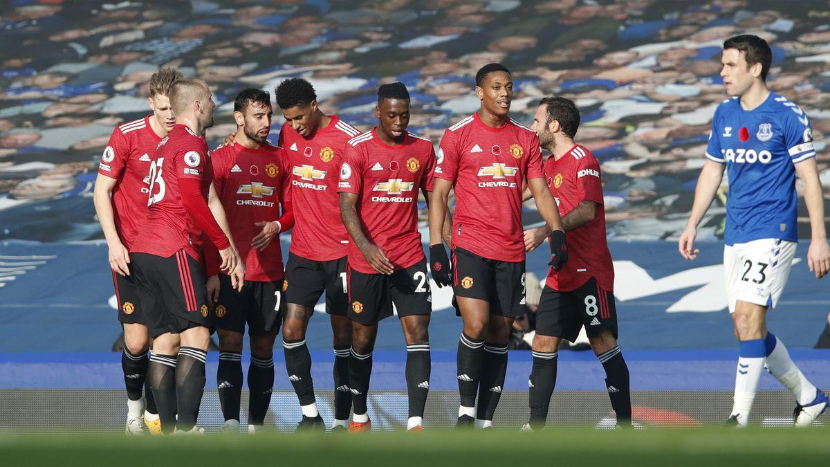 Klub sepak bola Manchester United saat menang tandang melawan Everton dengan skor 1-3. | Foto: The Busy Babe
