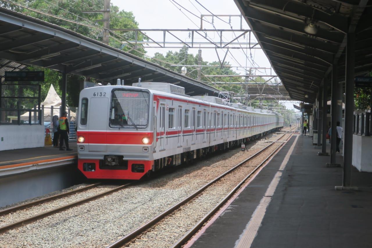KRL seri 6000 rangkaian 6132F