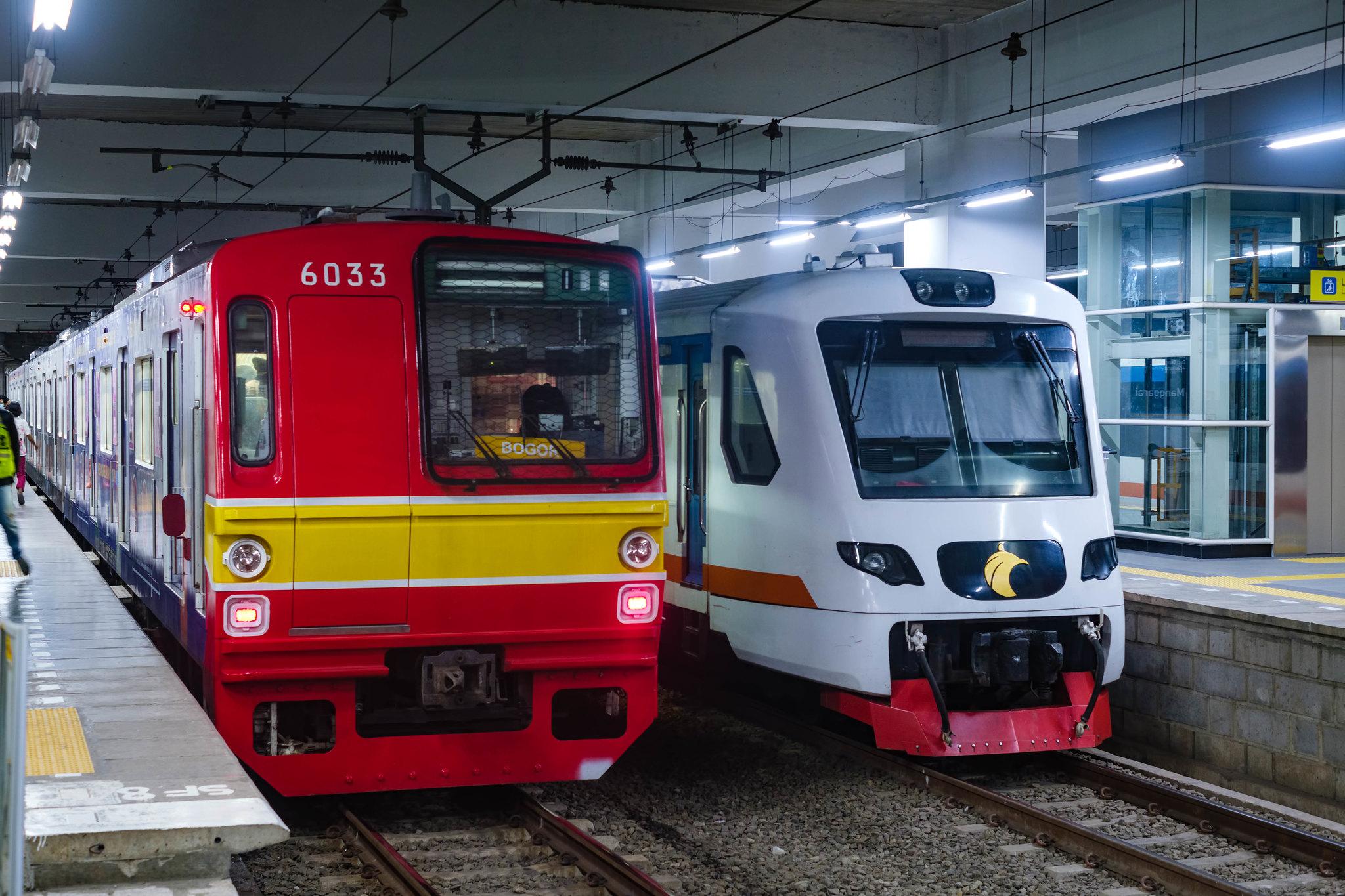 KRL Commuter Line & KA Bandara Soekarno Hatta