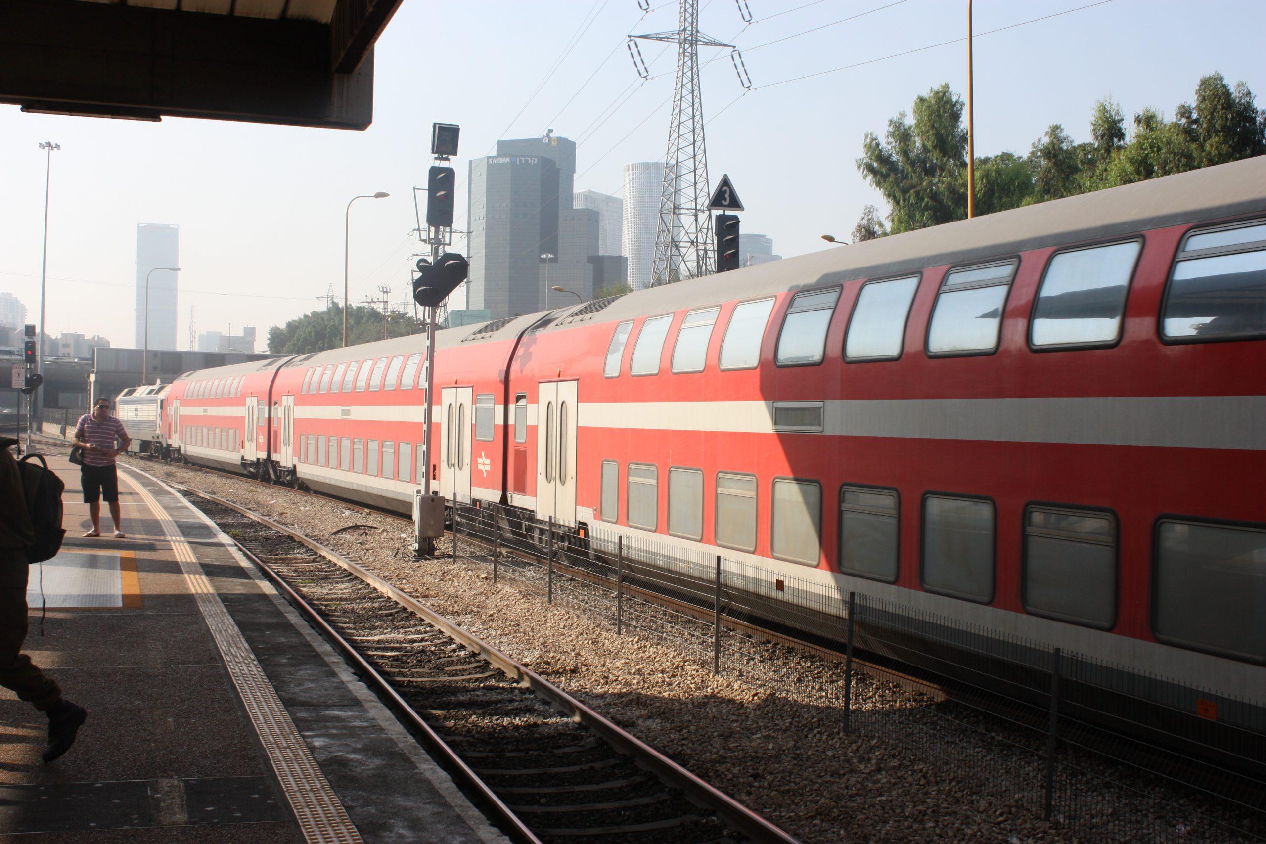 kereta twindexx israel