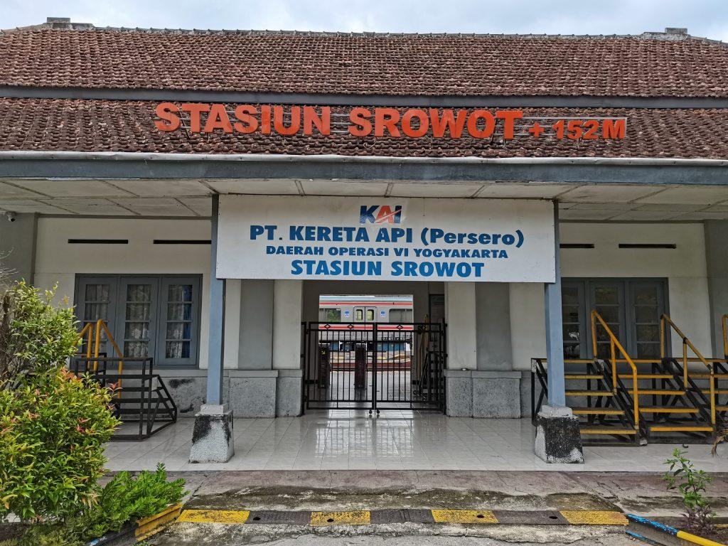 Stasiun Srowot