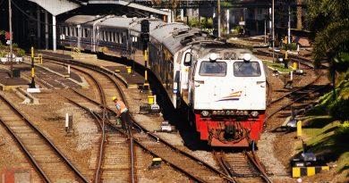 kereta api di bandung