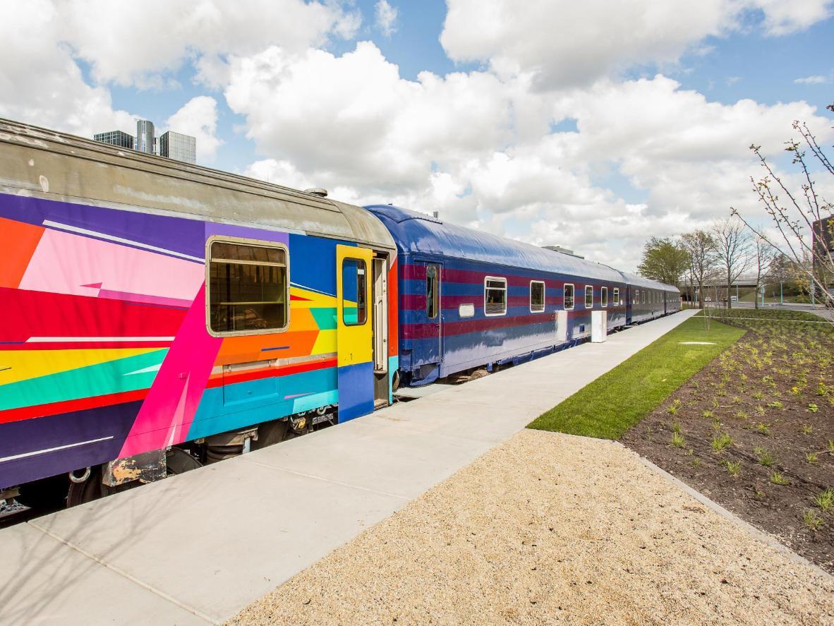 Kereta tidur Train Lodge