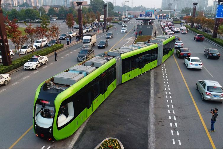 Trackless tram