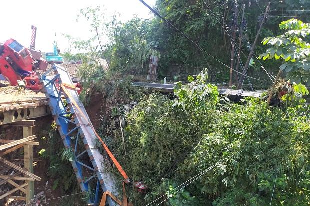 Crane jalur ganda Bogor-Sukabumi