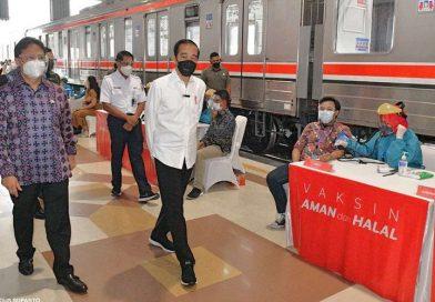 Vaksinasi stasiun KRL