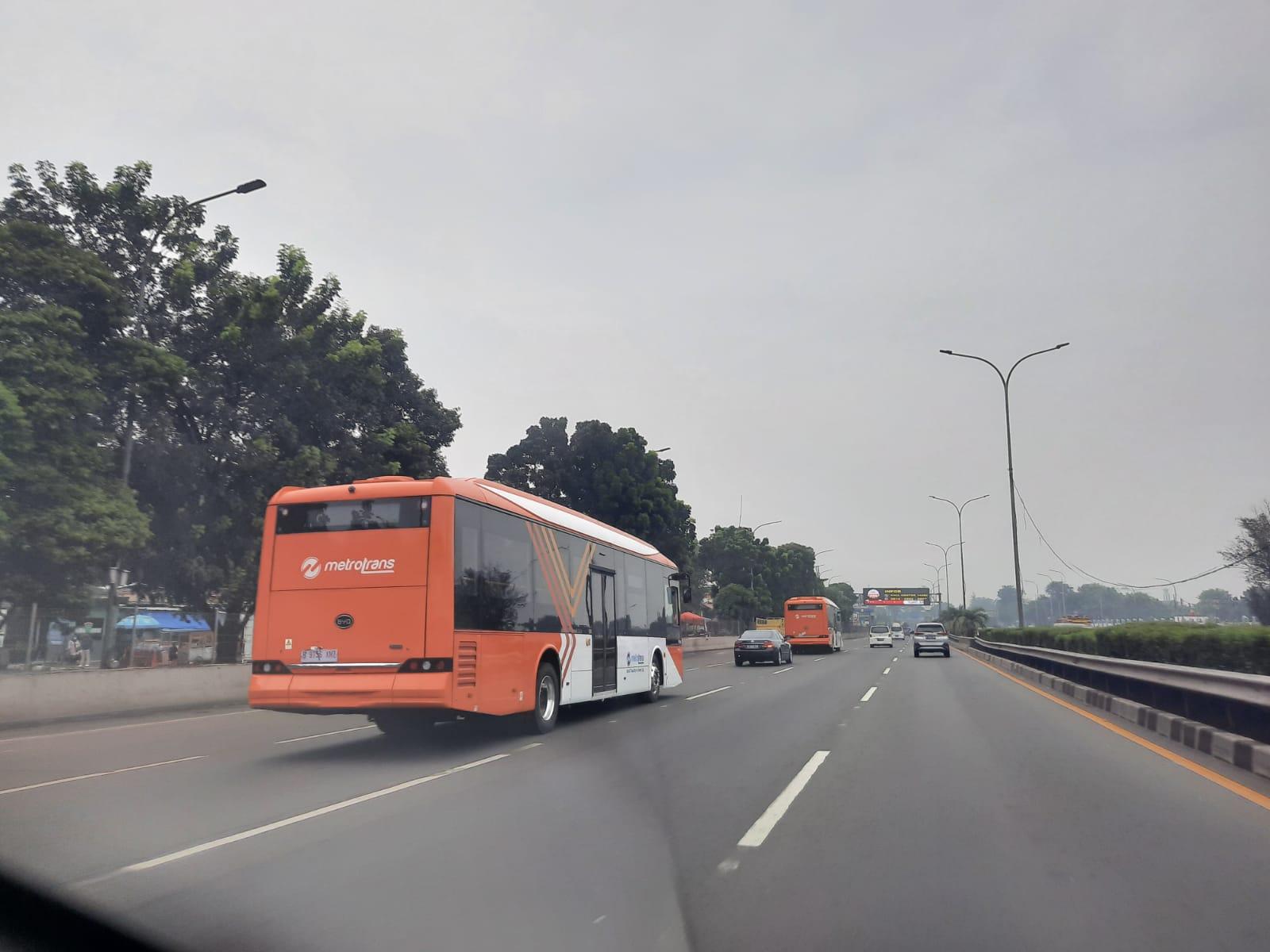 Bus listrik Mayasari
