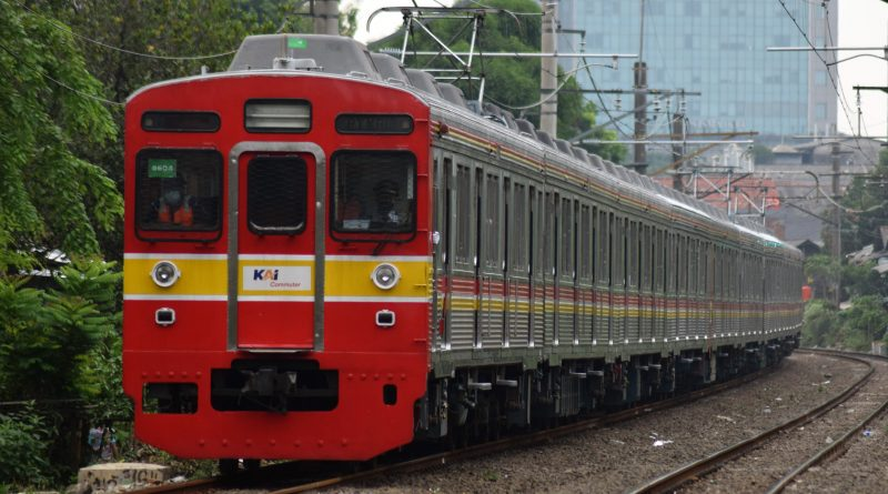 8604F kembali 12 kereta