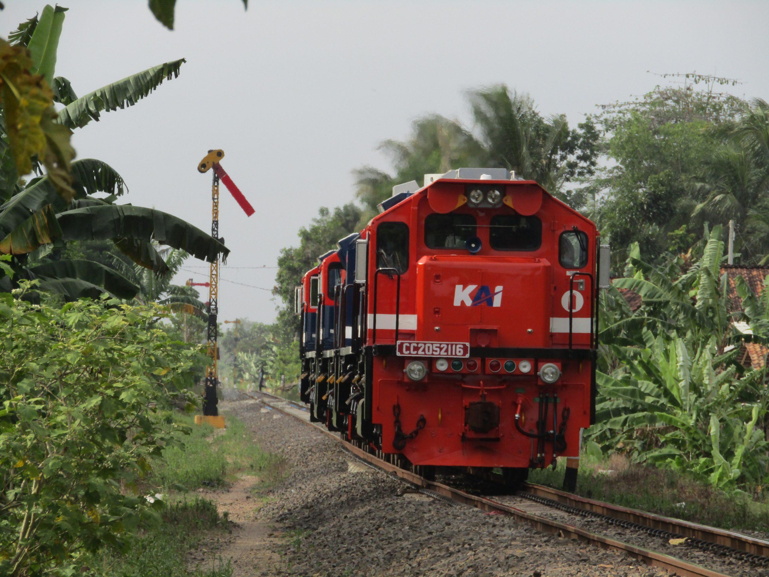 Lokomotif CC205 angkatan 2021